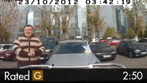 Fat Guy Cannot Fit Into His Car – Tight Parking Spot
