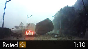 Boulder Landslide in Taiwan Almost Crushes Car!